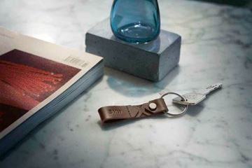 Picture of BMW LEATHER X KEY RING (BROWN)